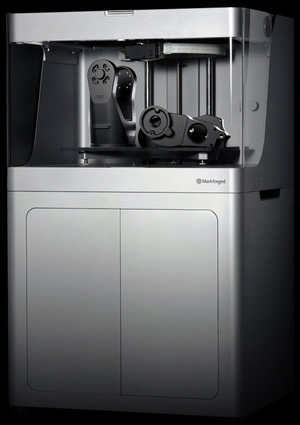 Markforged dévoile une version industrielle de son imprimante 3D à carbone !
