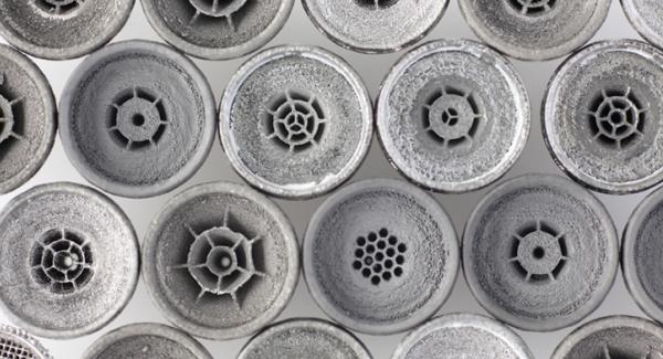 coques en titane imprimés en 3D