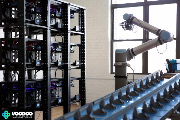 Voodoo Manufacturing : une usine d'impression 3D automatisée gérée par un bras robotique !