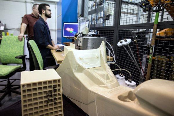 FORD teste un nouveau système d'impression 3D pour ses pièces automobiles !