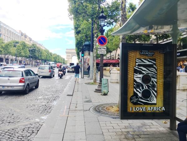 Metropole réalise une affiche 3D pour les Champs Elysées !