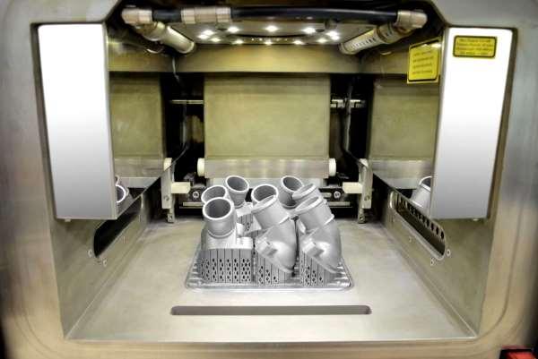 Mercedes-Benz produit sa première pièce détachée métallique imprimée en 3D
