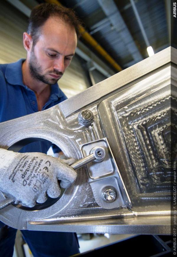 Airbus installe la première pièce métallique imprimée en 3D sur un appareil de série