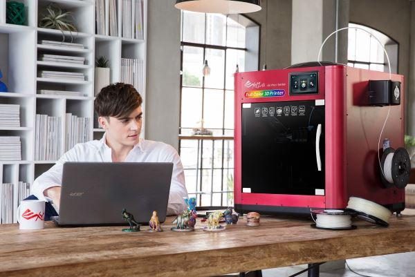 da Vinci Color : XYZprinting dévoile son imprimante 3D couleur !
