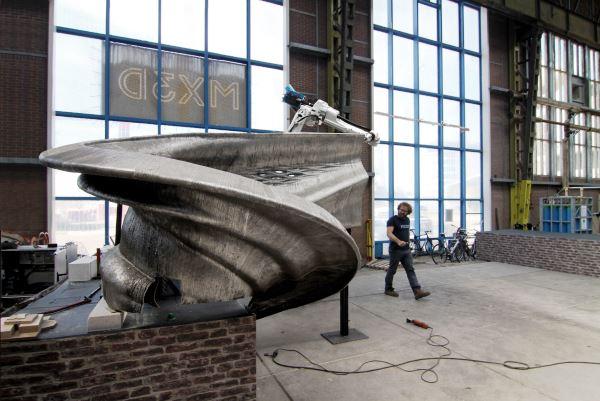 MX3D dévoile les premières images de son pont d'acier imprimé en 3D