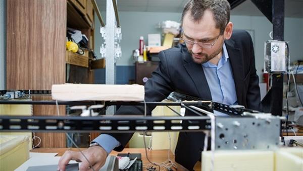 imprimante 3d à ultrason pour imprimer des objets lévitation