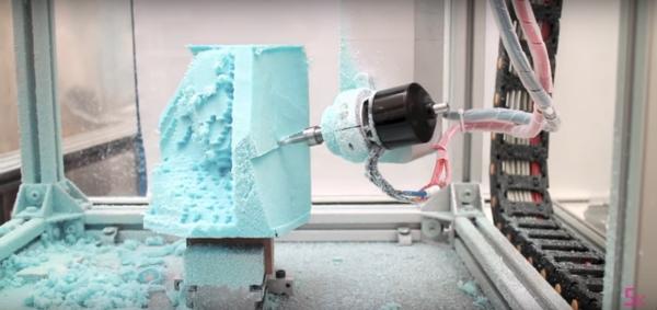 5AXISMAKER : une machine 5 axes combinant impression 3D et CNC