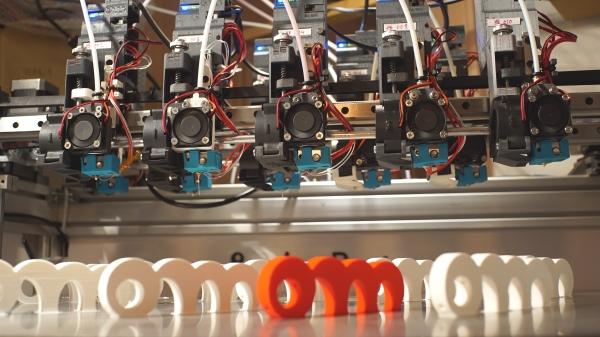 imprimantes 3D multi-têtes pour faire de la production en série
