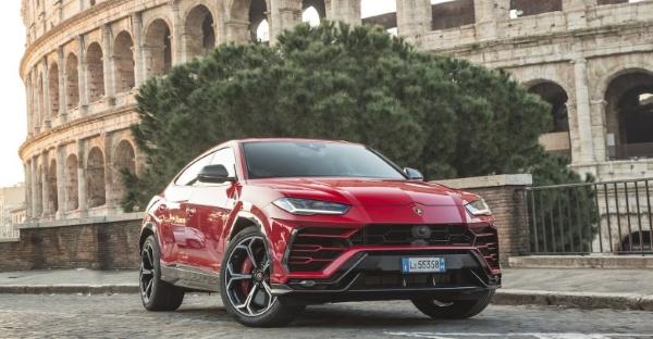 Lamborghini met de l'impression 3D dans ses bouchons de réservoir