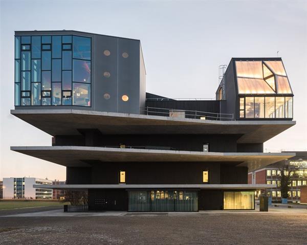 Bâtiment de recherche et d'innovation NEST de l'Empa et l'Eawag à Dübendorf
