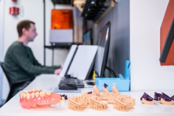imprimante 3D SLA pour la dentisterie