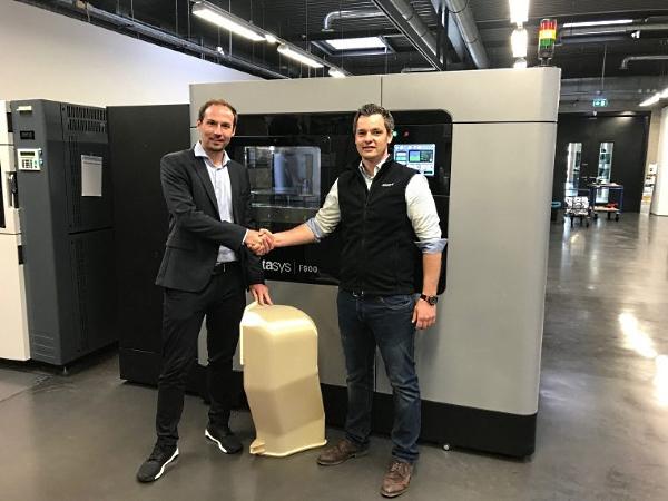 conduit d'air imprimé sur une imprimante 3D F900