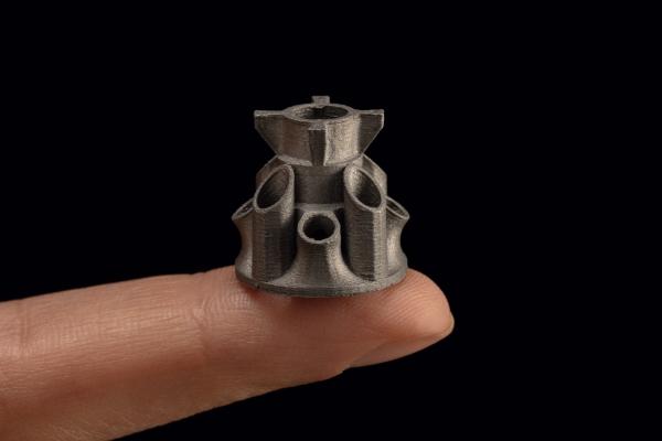 pièces métalliques imprimées sur une Studio System