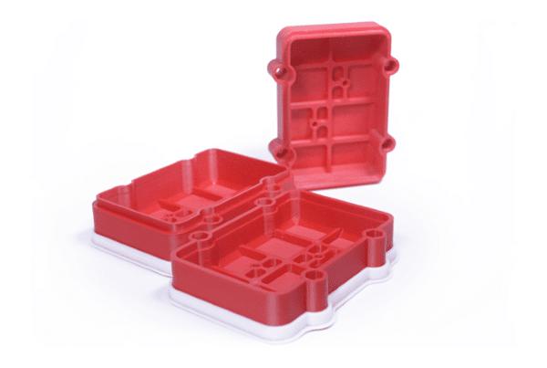 Boitier électronique imprimé avec l'ABS Method X. Image via MakerBot