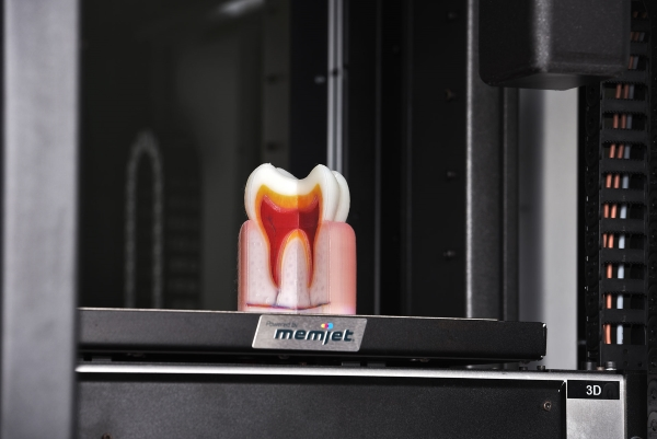 OVE lance une imprimante 3D couleur de bureau à jet d'encre