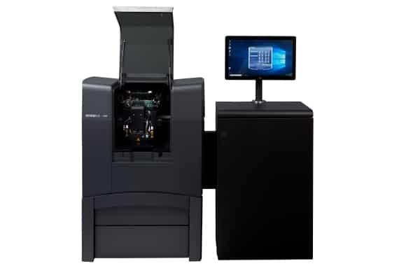 l'imprimante 3D J826 de Stratasys apporte aux petits et moyens ateliers et établissements d'enseignement la puissance des modèles de la série J8 de classe internationale
