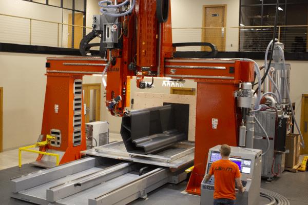 Thermwood : le spécialiste de l'impression 3D grand format passe à la verticale