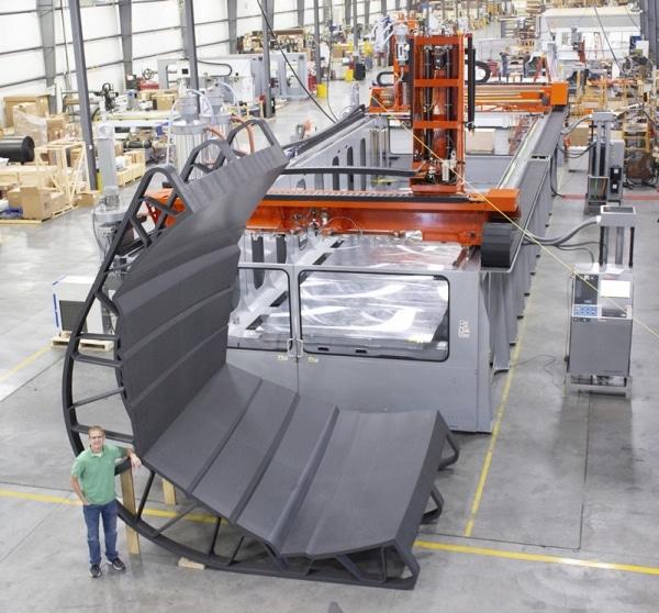 Thermwood imprime un moule de 15 m pour un Yacht