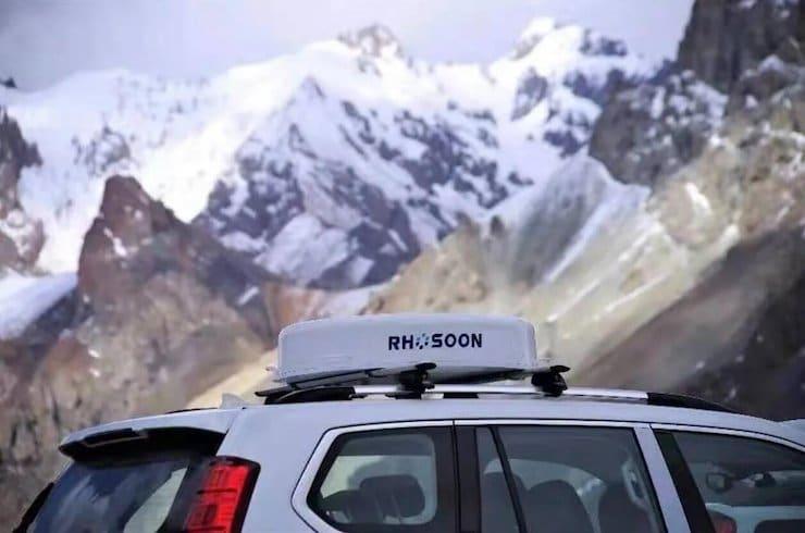 Rhosoon met de l'impression 3D dans ses antennes 5G de voiture