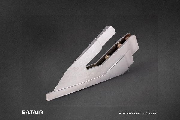 Pièce de vol imprimée en 3D et certifiée pour l'A320ceo (crédits photo : Airbus)