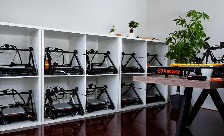 iFactory3D et son imprimante 3D de bureau taillée pour la production en série