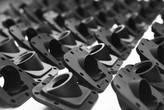 L'imprimante 3D Stratasys Origin One est conçue pour des applications de production en série, comme pour ces boîtiers d'appareils photo.