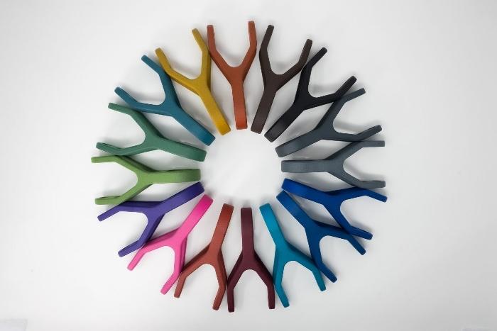 Stratasys s'associe à DyeMansion pour mettre de la couleur dans ses pièces de production