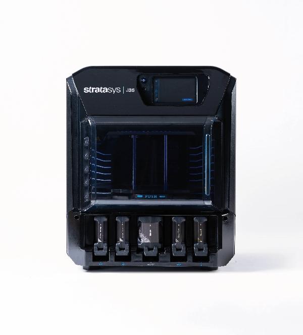 La nouvelle imprimante 3D J35™ Pro de Stratasys est conçue pour la fabrication de prototypes, de modèles et de pièces d'utilisation dans un large éventail de secteurs, et cela, depuis un environnement de bureau